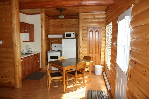 Chalet 1 chambre (Chalets - Bo-Fleuve) de Motel et Chalets Bo-Fleuve ...