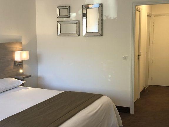 Restaurant-hotel-en-provence-chambre-double-confort