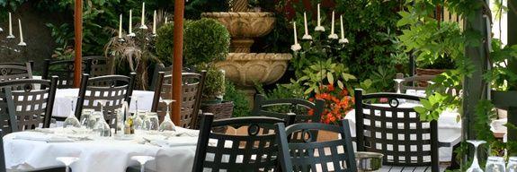 restaurant-servella-tables-terrasse