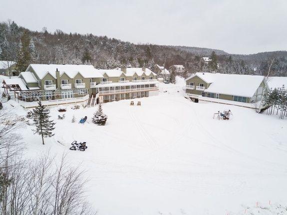 centre-de-villégiature-saint-alexis-des-monts-auberge