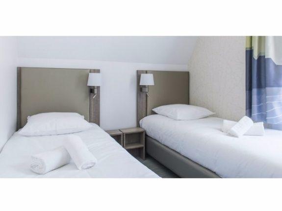 12 chambres doubles à lits jumeaux ou lit matrimonial – Dont 2 ...