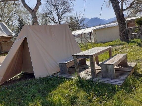 tente extérieur 2