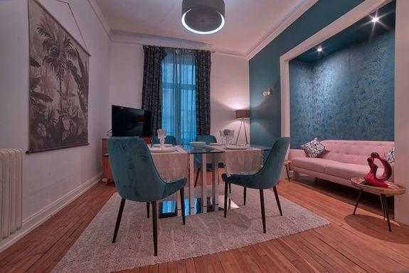 location-meuble-appart-hotel-metz-un-sejour-chenonceau-salle-manger-salon-television