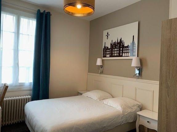hotel-anne-de-bretagne-blois-centre-ville-chambre-double-tradition-2 personnes
