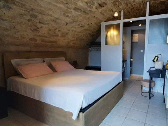 Le lit de la chambre Alae