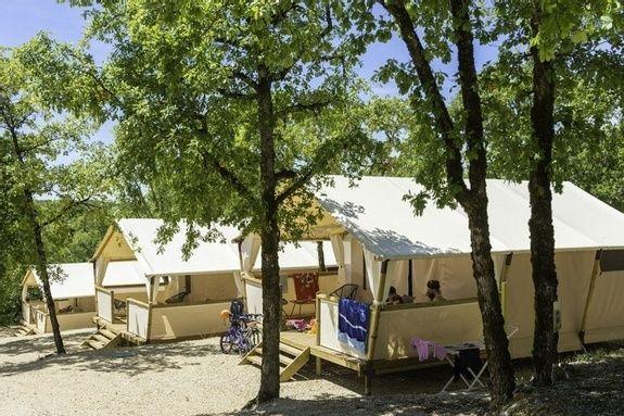 LODGE 04 camping familial nature lot piscine occitanie.