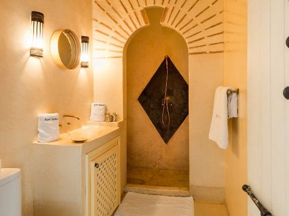 salle d'eau chmùabre triple riad chamali médina marrakech Maroc