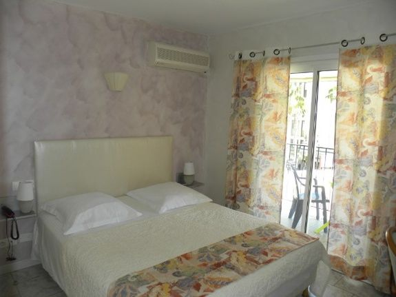 double room with 160 cm bed