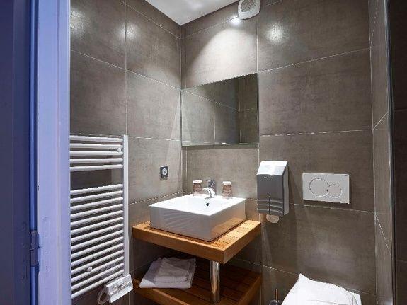 cozy-hotel-cosy-d-affaires-Morlaix-salle-de-bains-evier