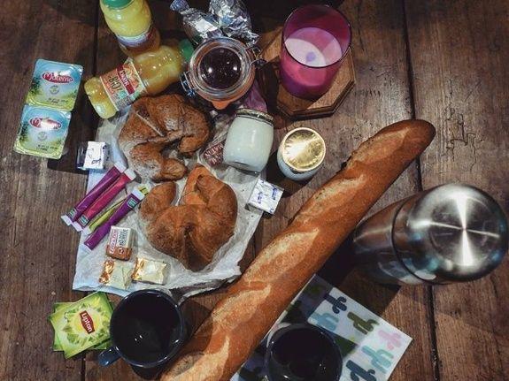 gite-lac-du-der-cabane-aux-secrets-petit-dejeuner
