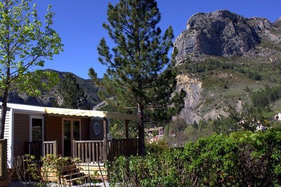 family premium camping Hautes-Alpes familial piscine escalade