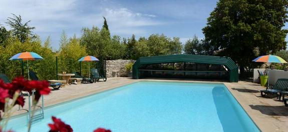 hotel-proche-avigon-piscine-pont-du-gard