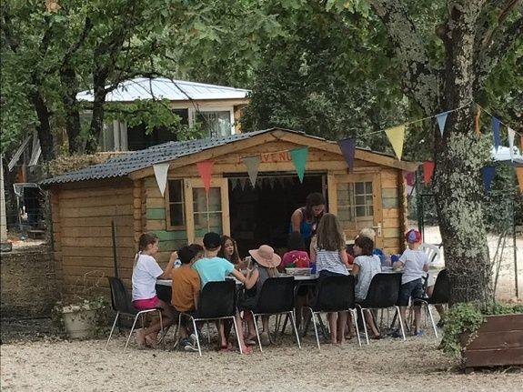 Mini club camping