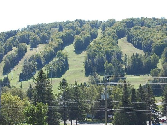 bed-and-breakfast-laurentides-exterieur-monts