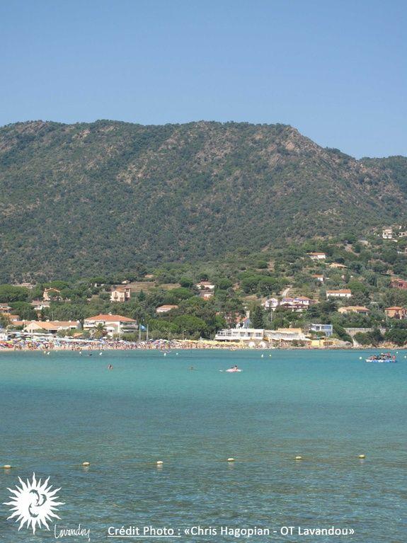 Hotel-bord-de-mer-var-cote-d-azur-plage-saint-clair