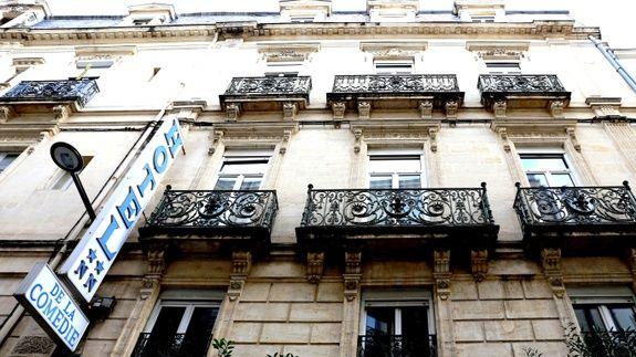 hotel-place-de-la-comedie-montpellier-facade-balcon-fenetre