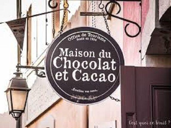 maison-chocolat-roquebrune-chambres-d'hotes-location_d'appartement_pour_les_vacances_dans_le_var