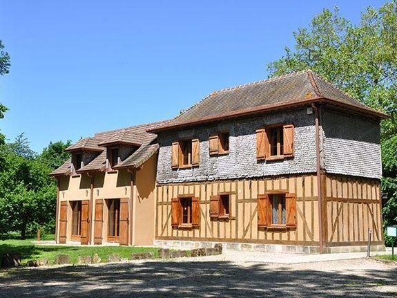 gite-lac-du-der-au-milieu-de-nulle-part-gite-les-emeraudes-maison