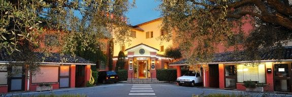 hotel-servotel-entree