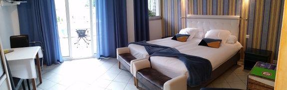 studio cézanne_room_ guest house st raphael, fréjus
