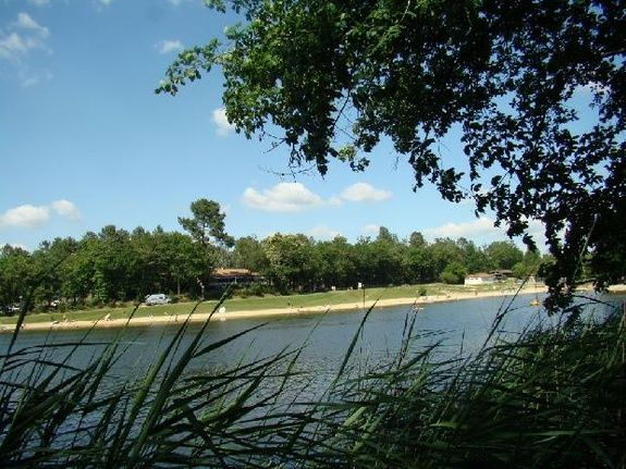 Brossac Lake Etang Vallier Resort Charente