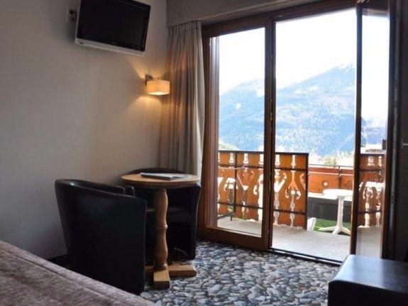Hotel du Soleil Chambre de Charme terrasse
