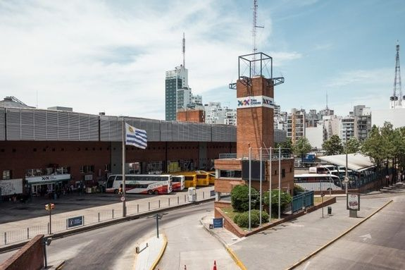 35 Terminal Tres Cruces - Days Inn Montevideo 2019
