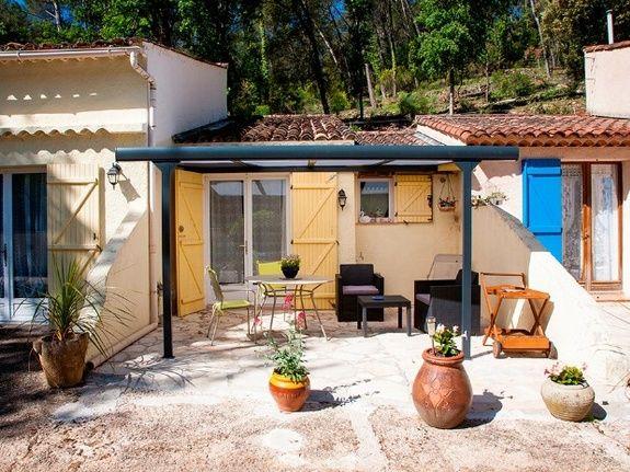La terrasse du pigeonnier : la chambre d'hôtes