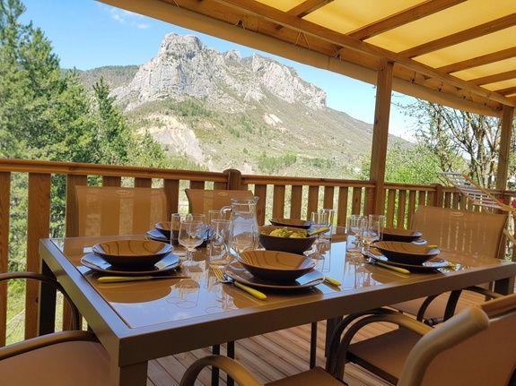 espace prestige camping Hautes-Alpes familial piscine escalade