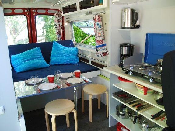 intérieur avec table