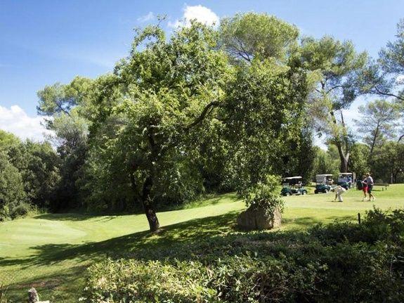 b&b-piscine-cannes-domaine-les-cigales-activités-golf