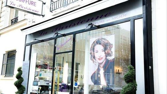 coiffeur-paris-17-salon-la-parisienne-entree-facade-plante