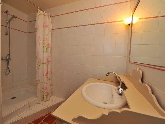 Chambre Cerise Bouquet-chambres d'hôtes de charme-perigord-villereal-monflanquin