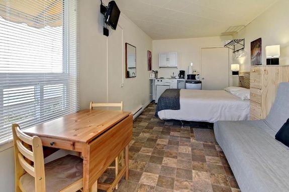 hotel-sainte-flavie-gaspésie-chambre-vue-mer