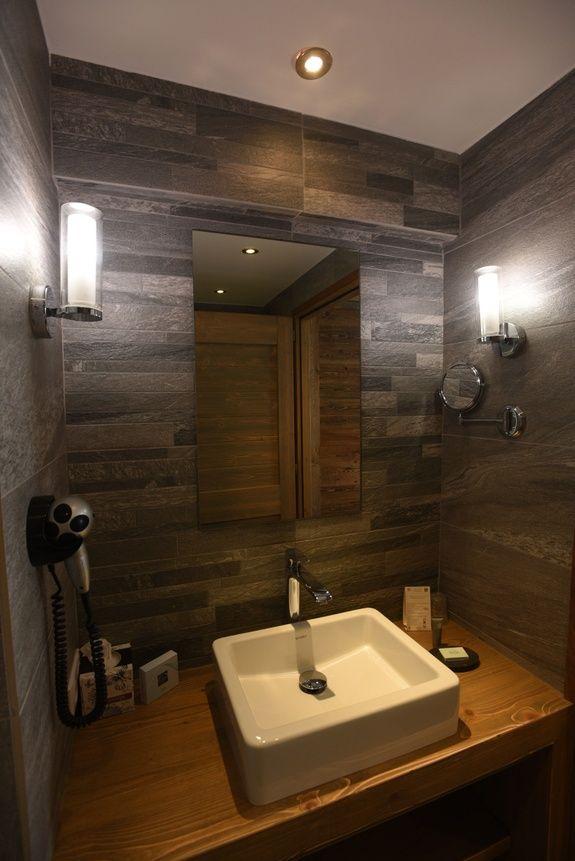 hotel-bas-des-pistes-val-isere-chambre-classique-salle-de-bain