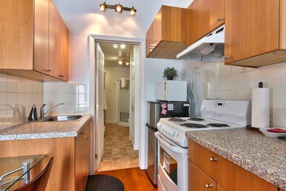 hotel-proche-palais-des-congres-montreal-appartement-1-chambre-cuisine-couloir