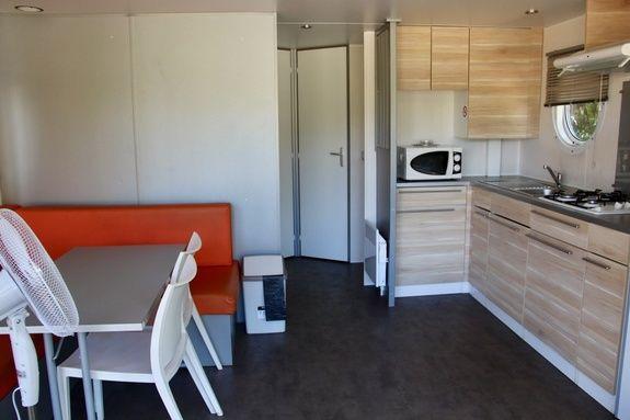 interieur mobil-home camping rocamadour Lot piscine chauffée padirac